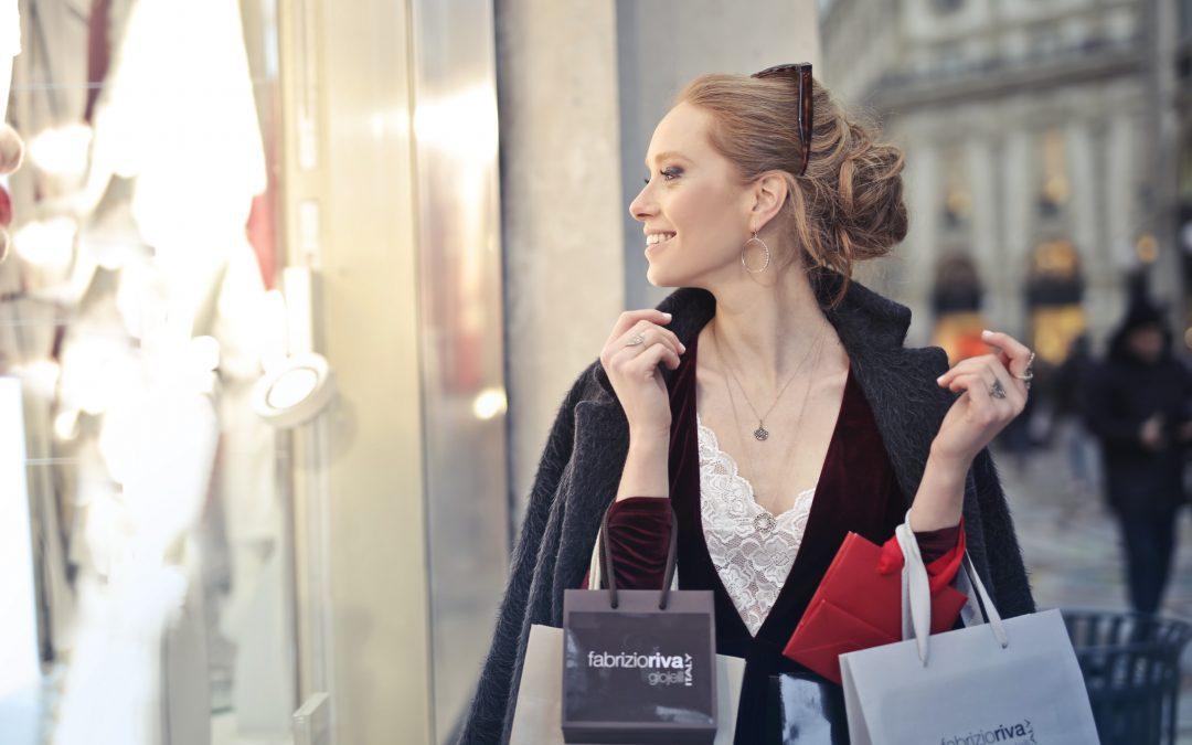 Sacs publicitaires en papier de luxe : plutôt mat ou brillant ?